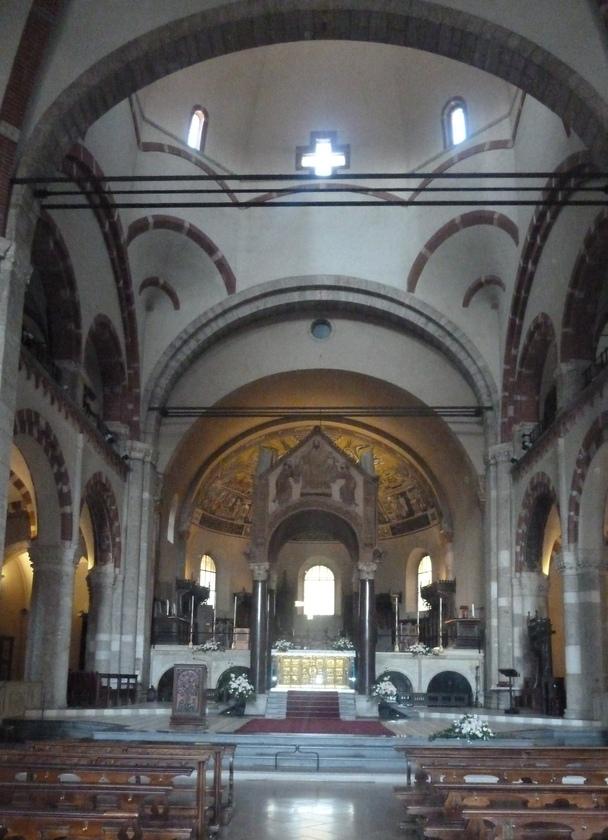 Interiér baziliky sv. Ambróza, (foto: Imriš, 2019)