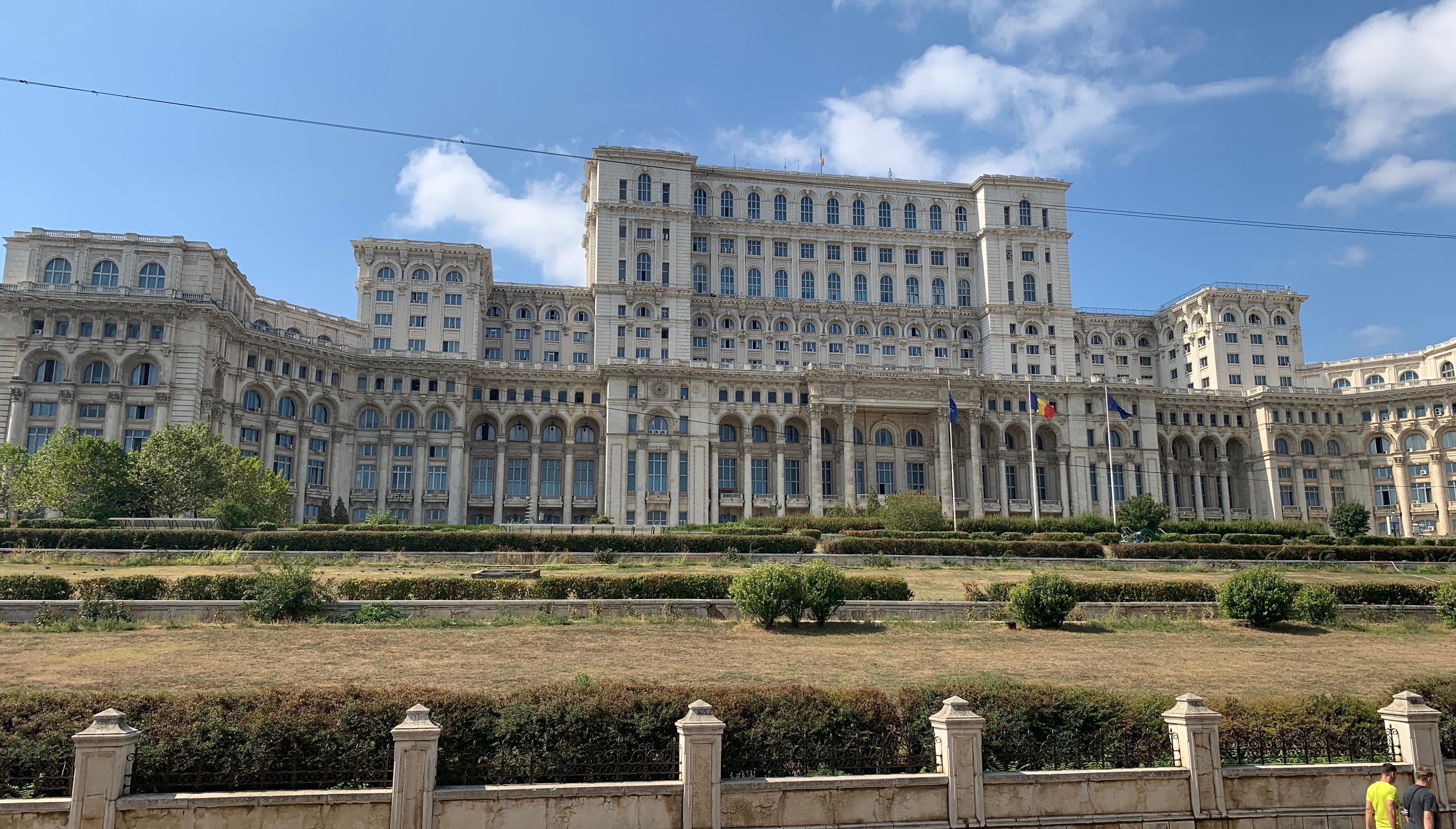 Parlamentný palác