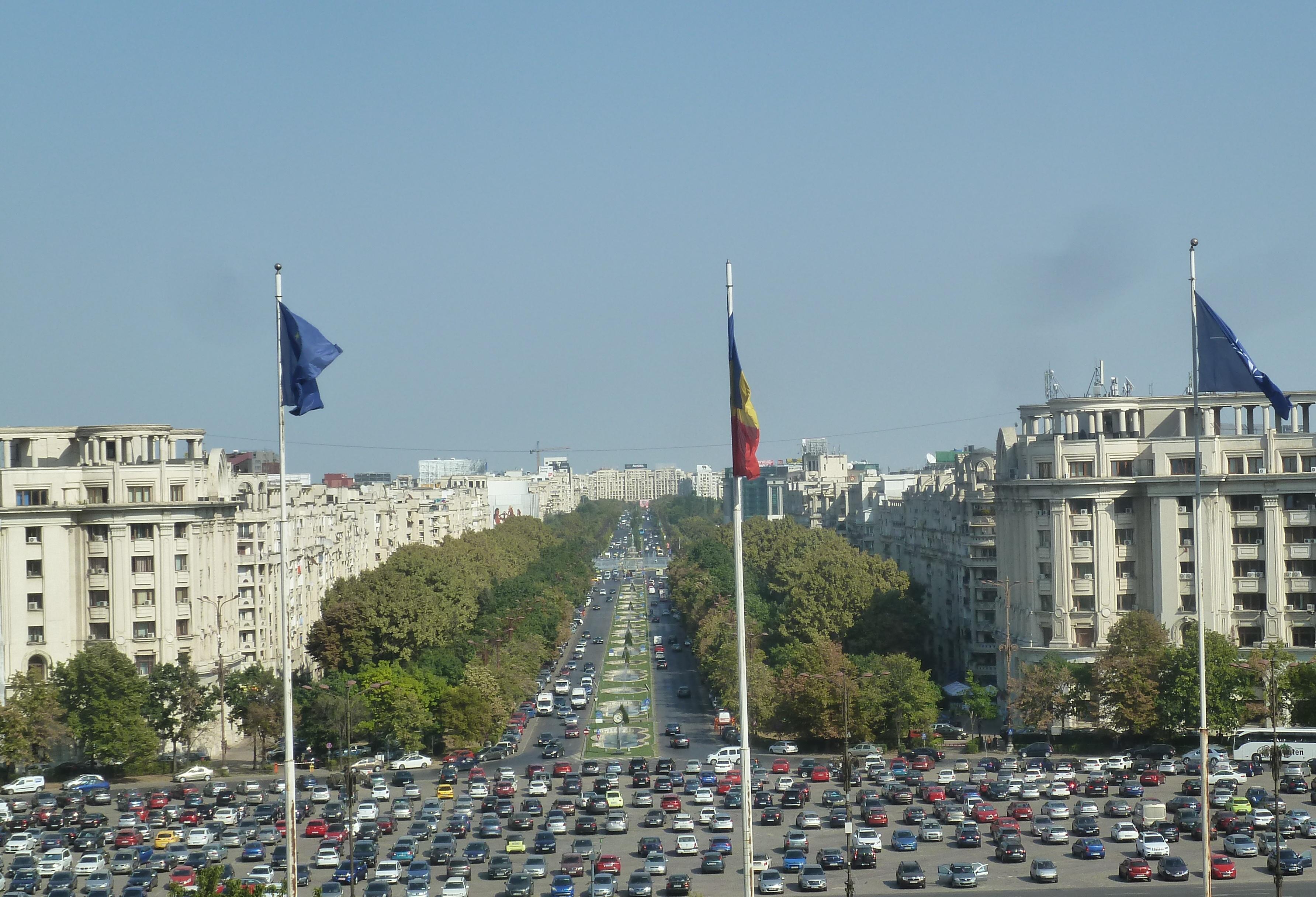 Pohľad na hlavný bulvár Bukurešti z parlamentného paláca (foto: Imriš)