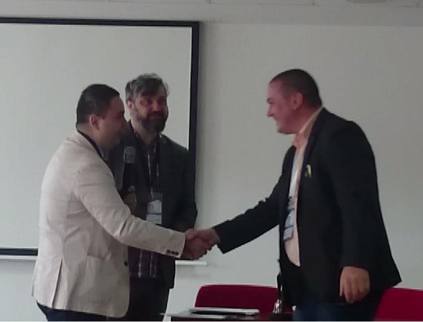 K oceneniu za najlepšiu publikáciu gratuluje Prof. Radu Porumb