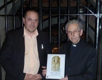 Odovzdanie printovej kópie reliéfu Sv. Ambróz, pri hrobke sv. Ambróza, 2019