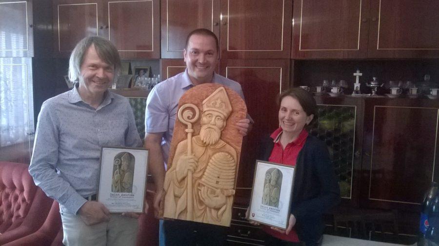 odovzdanie printovej kópie reliéfu sv. Amróza